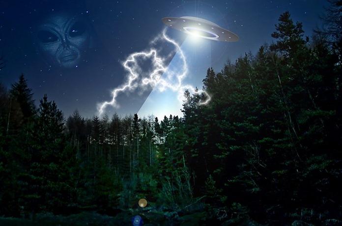 alien-609607_640