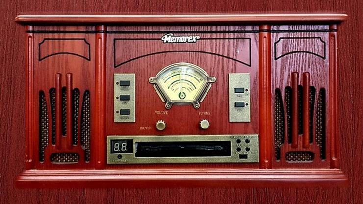 radio-647066_640